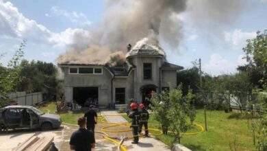 У будинку, на який впав літак, були жінка та двоє дітей