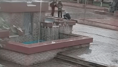 У Надвірній діти вкрали з фонтану шість світильників (ФОТО, ВІДЕО)